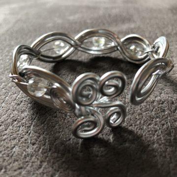 Flechtarmband mit Perlen Silber