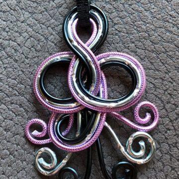 Medusa schwarz_rosa gerägt_ Silber Diamant