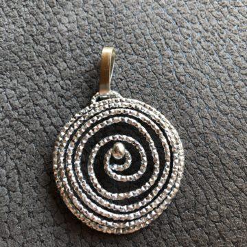 Circolo silber glitzer geprägt mit silberner perle